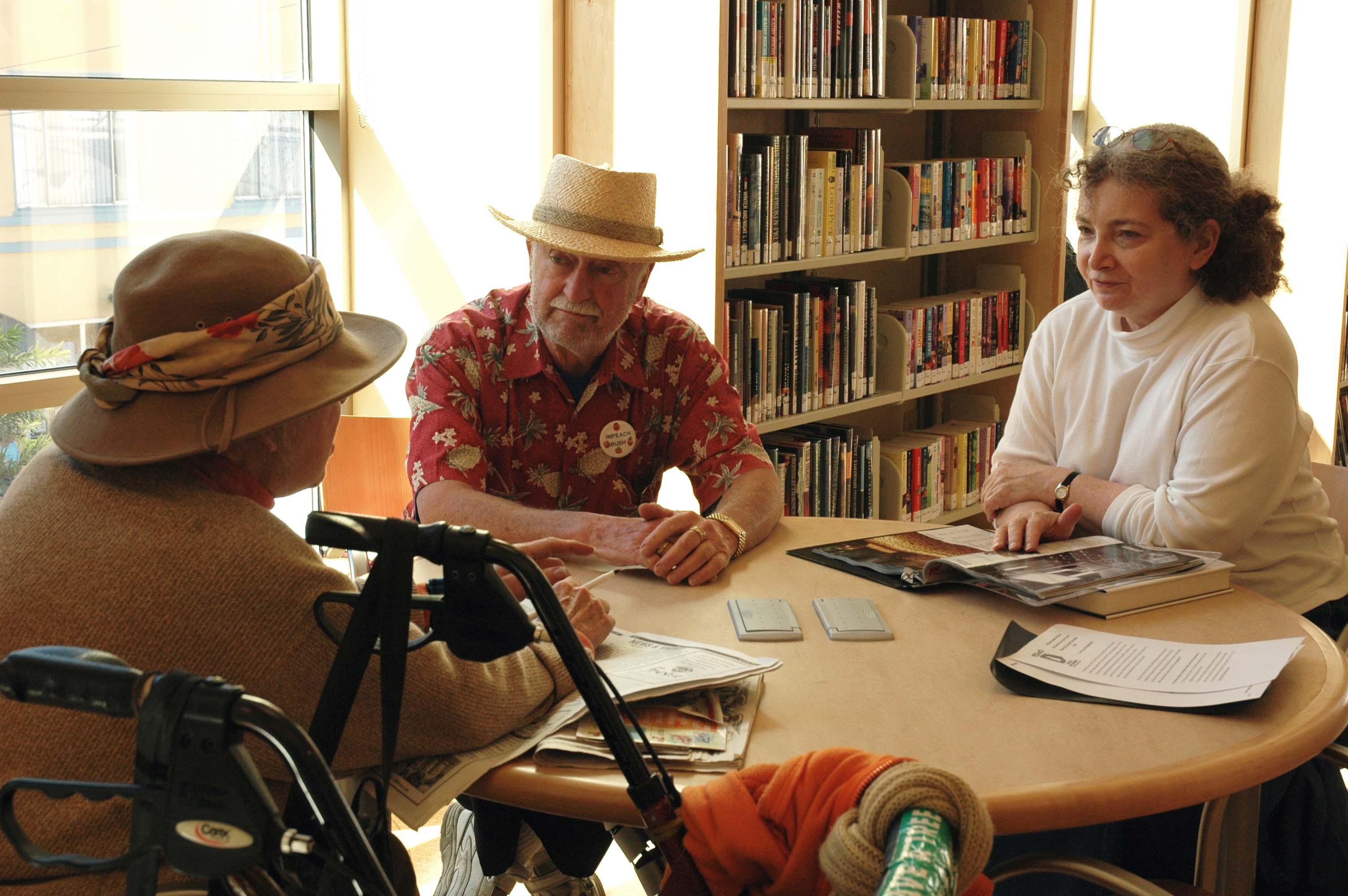 Seniors talking about books